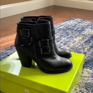 Black ankle boots. Westonn by Gianni Bini. New